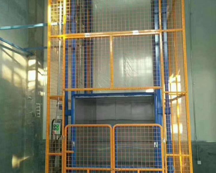 吉林液壓貨梯